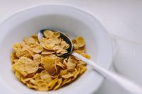 Kaboompics - Bowl of cereal