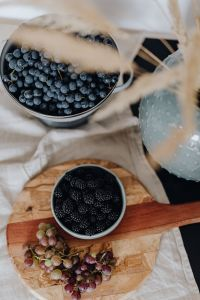 Kaboompics - Grapes, blackberries and raspberries