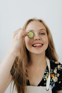 Kaboompics - Smiling teen girl