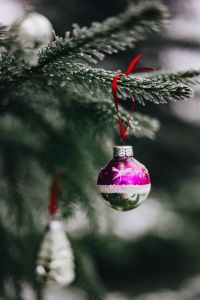 Kaboompics - Old-fashioned Christmas tree ornaments