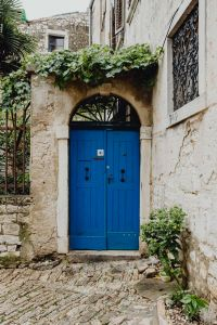 Kaboompics - Blue door of an old building in Rovinj, Croatia