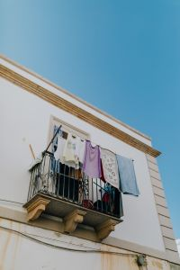 Kaboompics - Laundry dries on the balcony