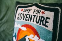Kaboompics - Seek for adventure pillow