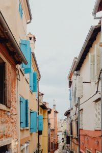 Kaboompics - Old buildings with shutters in Rovinj, Croatia