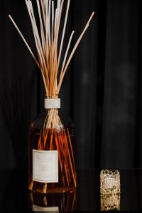 Kaboompics - Aroma reed diffuser in contemporary style