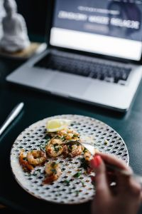 Kaboompics - Grilled Shrimps With Parsley, Garlic and Lemon