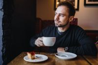 Kaboompics - Young Elegantly dressed man sititng in a cafe