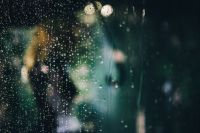 Kaboompics - Water drops of rain on glass