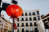 Kaboompics - Red chinese lamp in Madrid, Spain