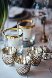 Kaboompics - Table decorations with golden motifs