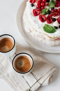 Kaboompics - Meringue Cake & Coffee
